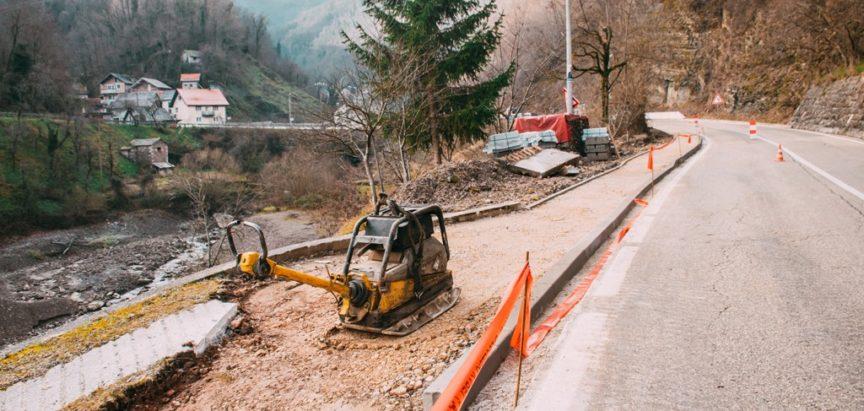 U tijeku je izgradnja pješačke staze u naselju Gračac (M-16.2)