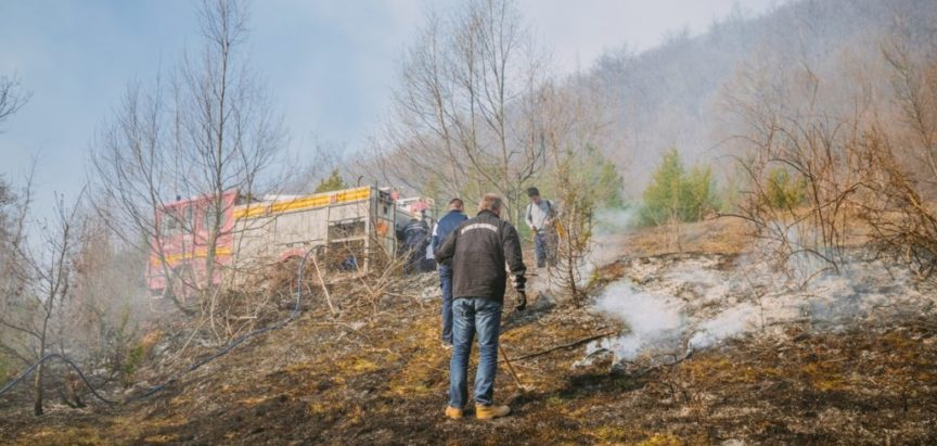 FOTO GALERIJA: Uskrs u plamenu