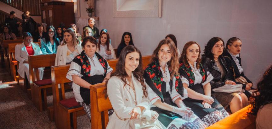 U Prozoru 77 mladih primilo sakrament krizme