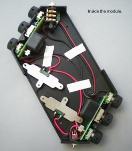 R-Block 内部の電子回路
