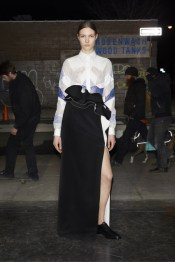 givenchy_034_1366.450x675