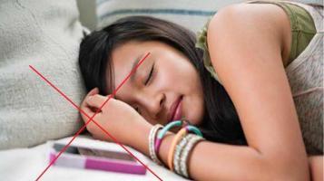 jauhi-hp-saat-tidur_20150827_203832