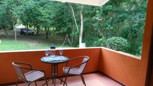 colibri-porch