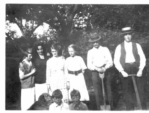 The Steinberg-Tuthill kids (Bett, Ruth, Katherine & Elbridge)