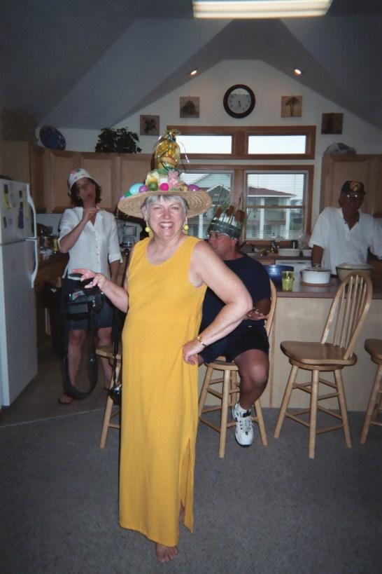 Bev w/Glenda, Dave & Will in bg