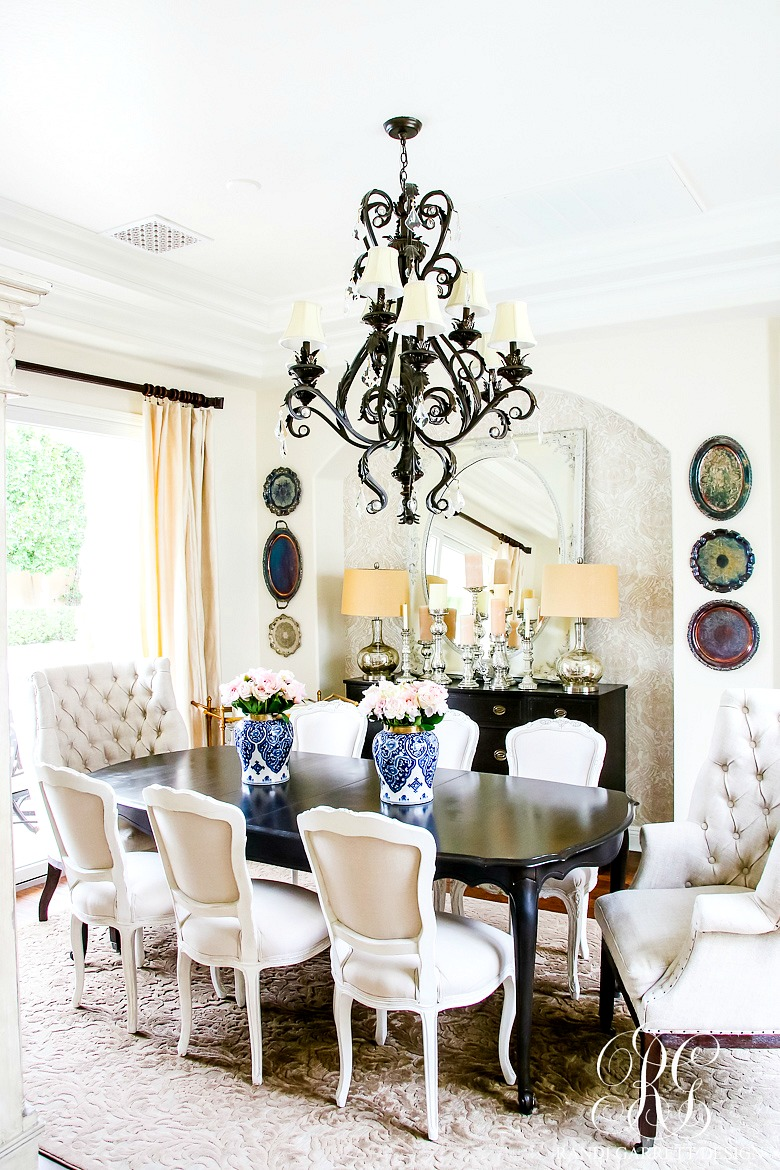 Blue And White Family Room Decor