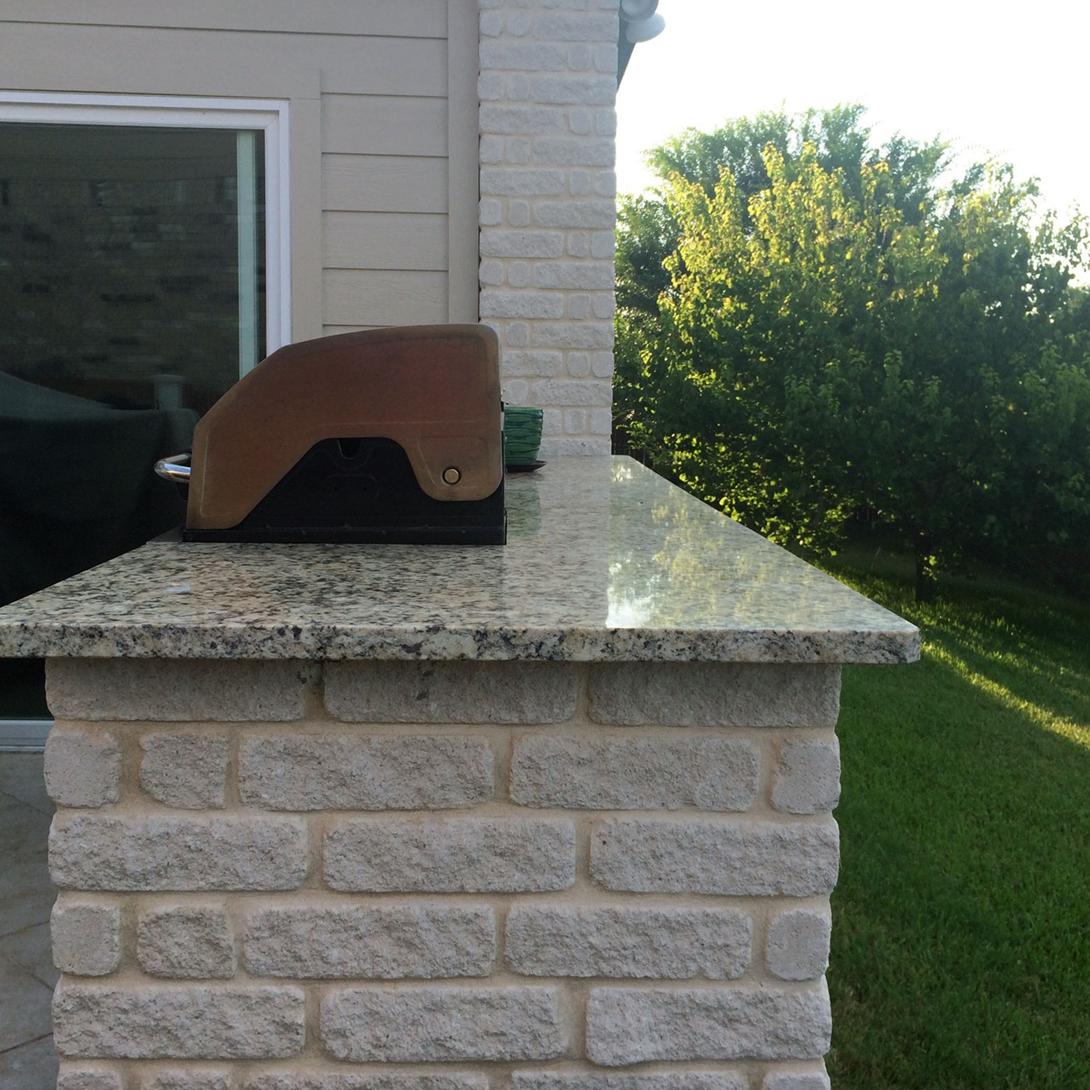 Granite Countertop and Outdoor Grill