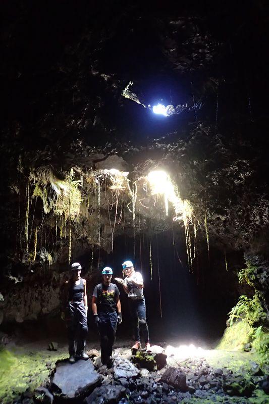 Skylight dans les tunnels de lave de la coulée 2004