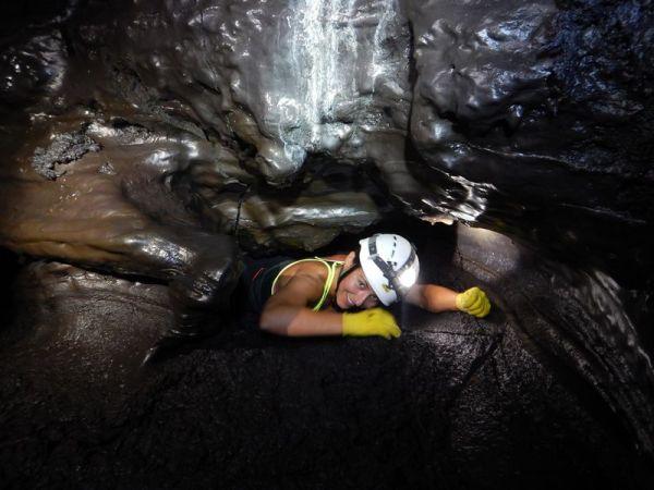 Circuit sportif dans les tunnels de lave de la coulée 2004