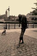 9-The famine Memorial-long river Liffey1