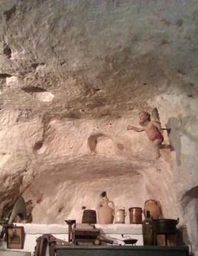 17-Matera Casa grotta Vico Solitario2
