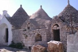 22-Valle d Itria Pascarosa trulli1