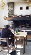 Le restaurant et sa cheminée