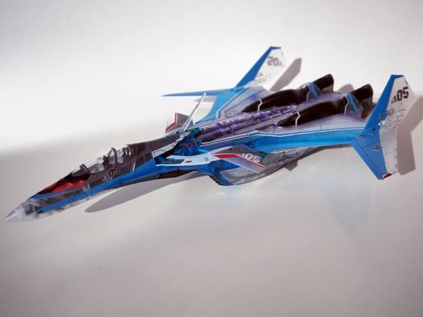 VF-31J ジークフリード ファイター形態
