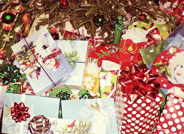 christmas-presents-595850_640