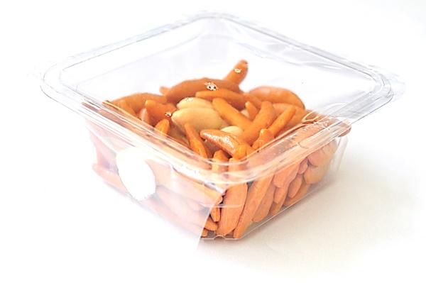 宇宙日本食の認証を受けた「亀田の柿の種」