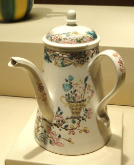 Coffee_or_Chocolate_Pot,_Staffordshire,_c._1750_-_Nelson-Atkins_Museum_of_Art_-_DSC08795