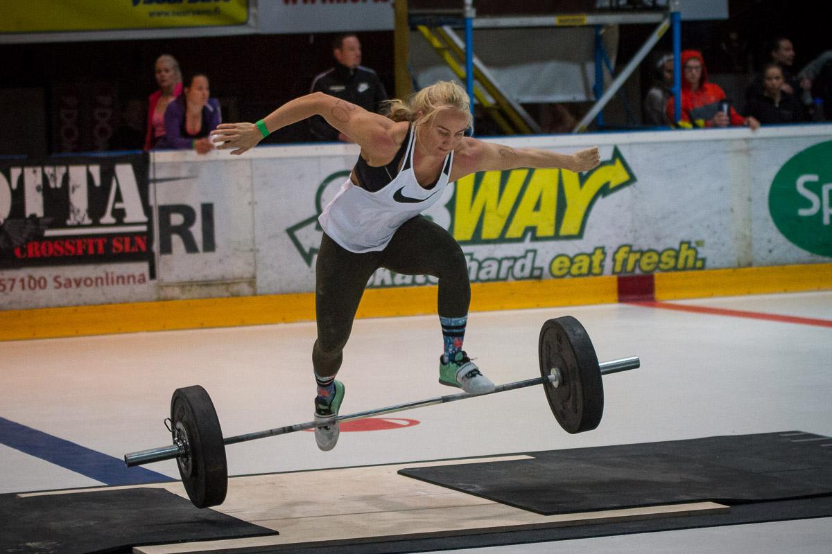 crossfit athlete Stefanie Hagelstam jumping over the bar