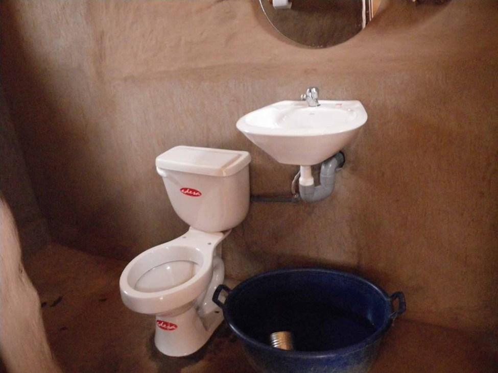 Peru toilet