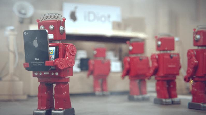 iDiots: uma animação sobre obsolescência programada e dependência