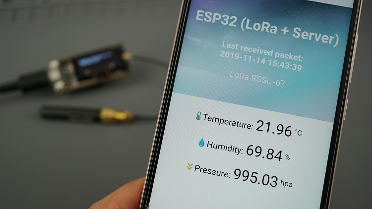 ESP32 LoRa + Web Server + Sensor readings