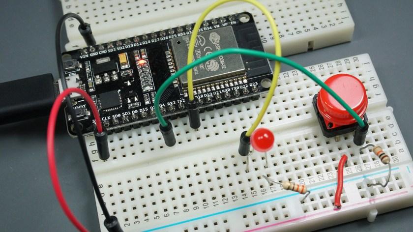 ESP32 Read Inputs Control Outputs Arduino IDE