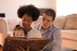 Family Bible Study feature at Randomnestfamily.org