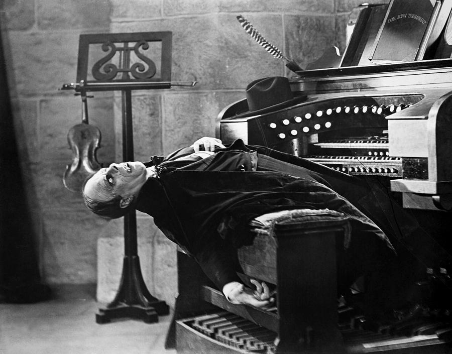 Image result for Phantom of the Opera 1925 ending