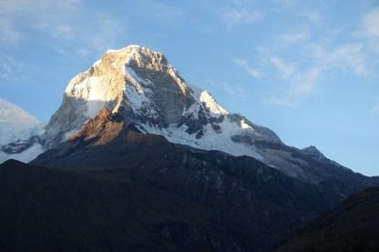 The sun kisses Huascarán