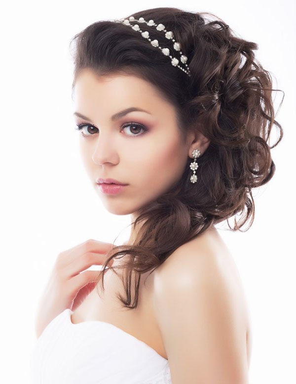 Medium Wedding Hairstyles: 24 Stunning And Must-Try Wedding Hairstyles Ideas For