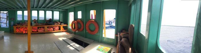 Interior barco flores a Lombok