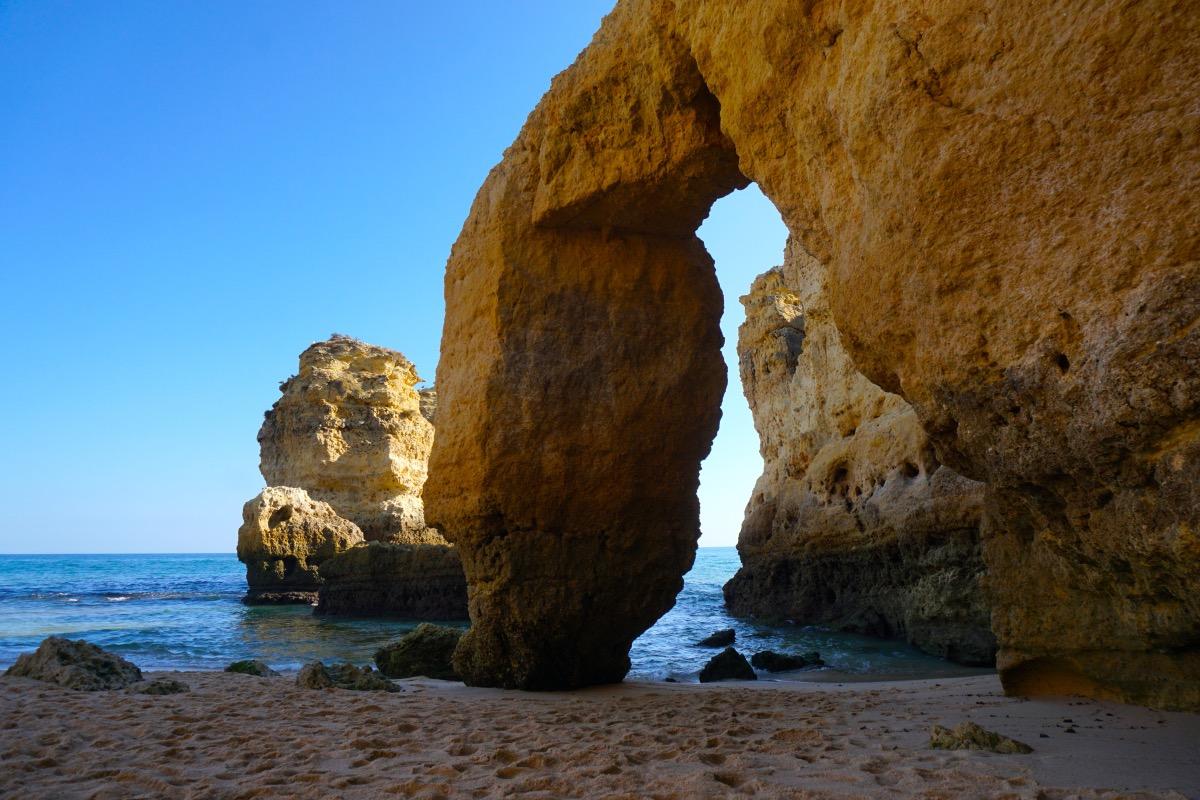 El arco de la Praia de São Rafael