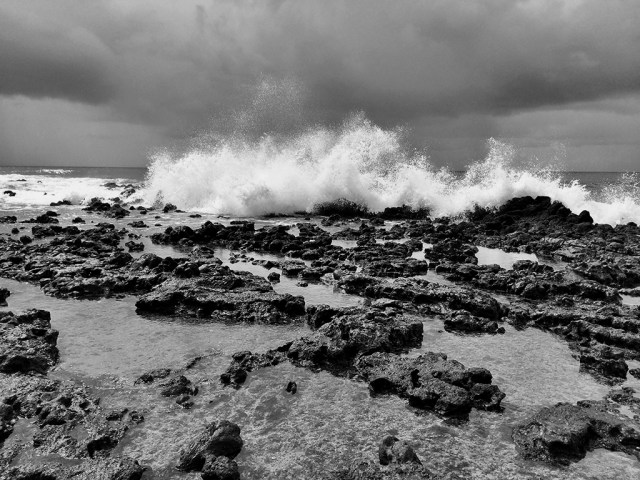 Reef break in black and white