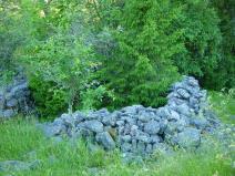 Lindsgården. Rester av gård i närheten av 3:7