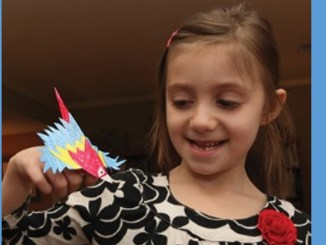 scarlet macaw finger puppet 1156x650