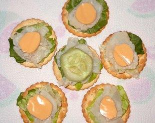 flower finger sandwiches