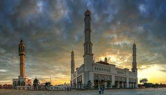 Mesjid Mujahidin tampak Luar, Pict by FB Yayasan Mujahidin Pontianak