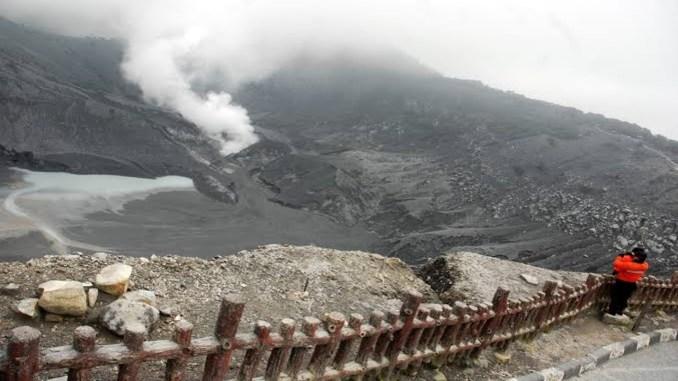 Danau Tangkuban Perahu Bandung