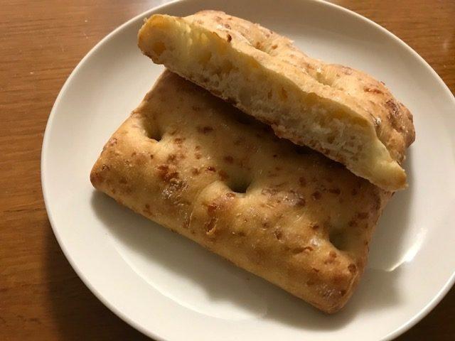コストコフォカッチャ オニオン&チーズ