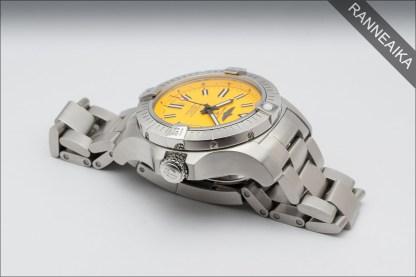 BREITLING Avenger 45 Seawolf Yellow ref. A17319101/1A1