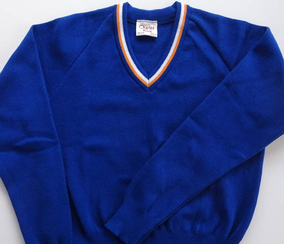 Sweater with coloured trim