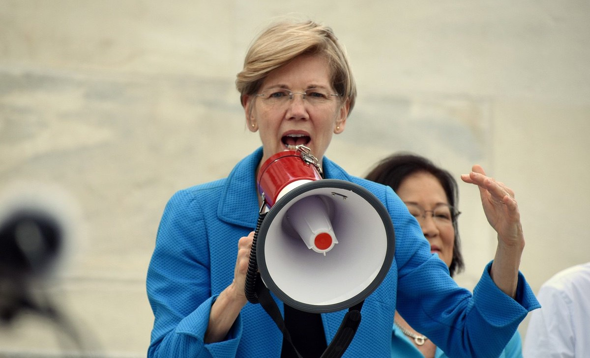 Senator Elizabeth Warren addresses crowds outside the Capitol protesting the GOP health bill – July 25, 2016 (Kelly Bell photography/Creative Commons)