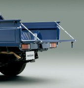 2014-toyota-land-cruiser-70-30