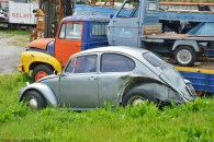 ranwhenparked-volkswagen-beetle-rust-in-peace-italy-2