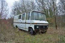 ranwhenparked-rust-in-peace-mercedes-benz-407d-1