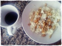Pequeno Almoço Tipico : 6claras + Sal+ Pimenta Preta + 30gr de Amendoins