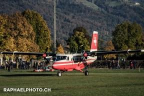 Start des Swisstopo Flugzeugs am Militäranlass Thun meets Army