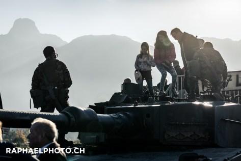 Panzer vor dem Stockhorn am Militäranlass Thun meets Army