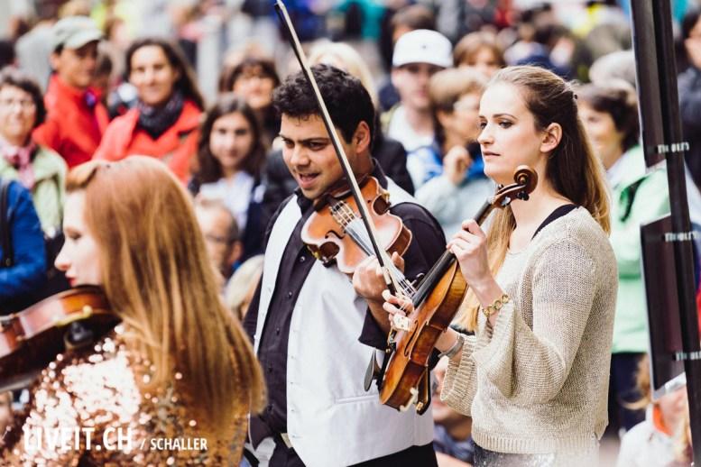 Geige am Strassenfestival Buskers Bern
