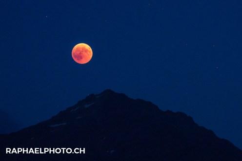 Blutmond-Bloodmoon Hasliberg Wetterhorn Badesee-4